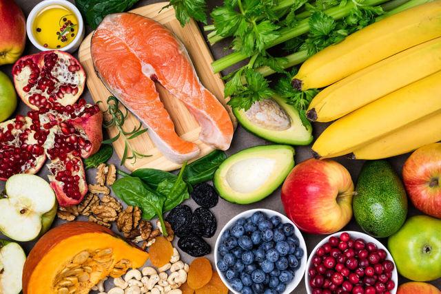 กินอย่างไร? ให้ห่างไกลภาวะสมองเสื่อม