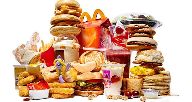 อาหารขยะคืออะไร? อันตรายแค่ไหนคุณรู้หรือไม