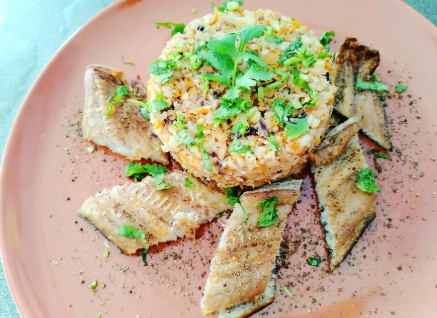 อาหารเพื่อสุขภาพ ข้าวดอกกะหล่ำ ปลาช่อนอบ